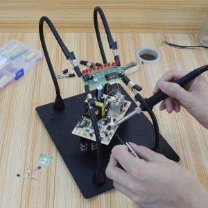 Helfende, Dritte Hand zum Löten, 4 Flexible magnetische Universalarme auf schwerer Stahlplatte inkl. Clips